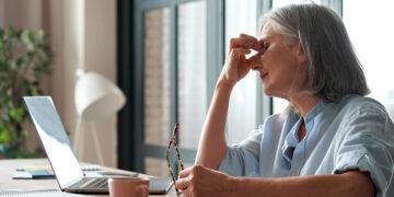 14 Symptoms of Hormonal Imbalance in Women